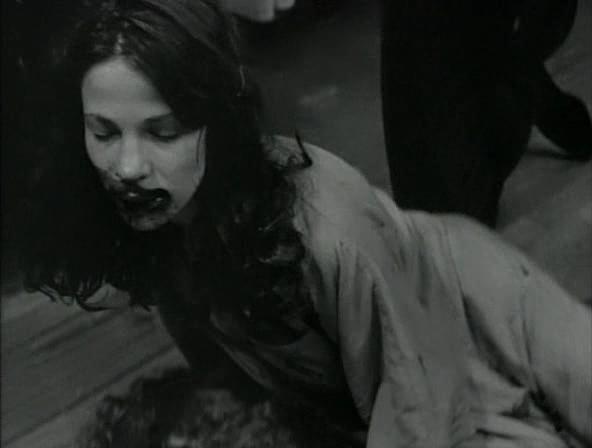 Captura-The.Addiction.[1995.Abel.Ferrara].DVDRip-PsyCoSys.avi-3