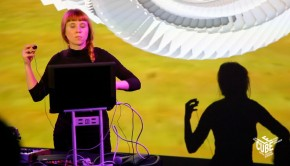 holly herndon foto 1